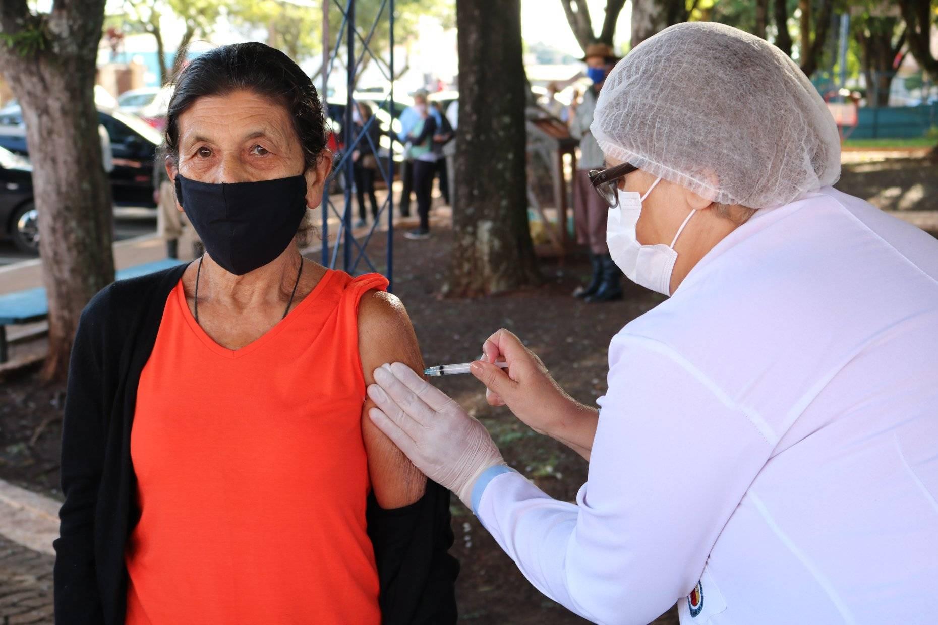 Santo Antônio das Missões inicia vacinação contra a covid de pessoas acima de 60 anos