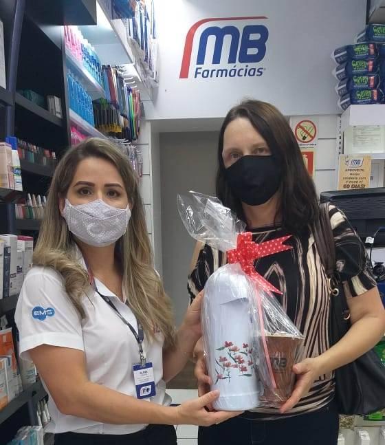 MB Farmácias sorteia kit de chimarrão aos clientes que contribuíram com o Hospital