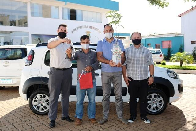 Prefeitura de Santo Antônio das Missões adquire carro zero quilômetro para a Infraestrutura