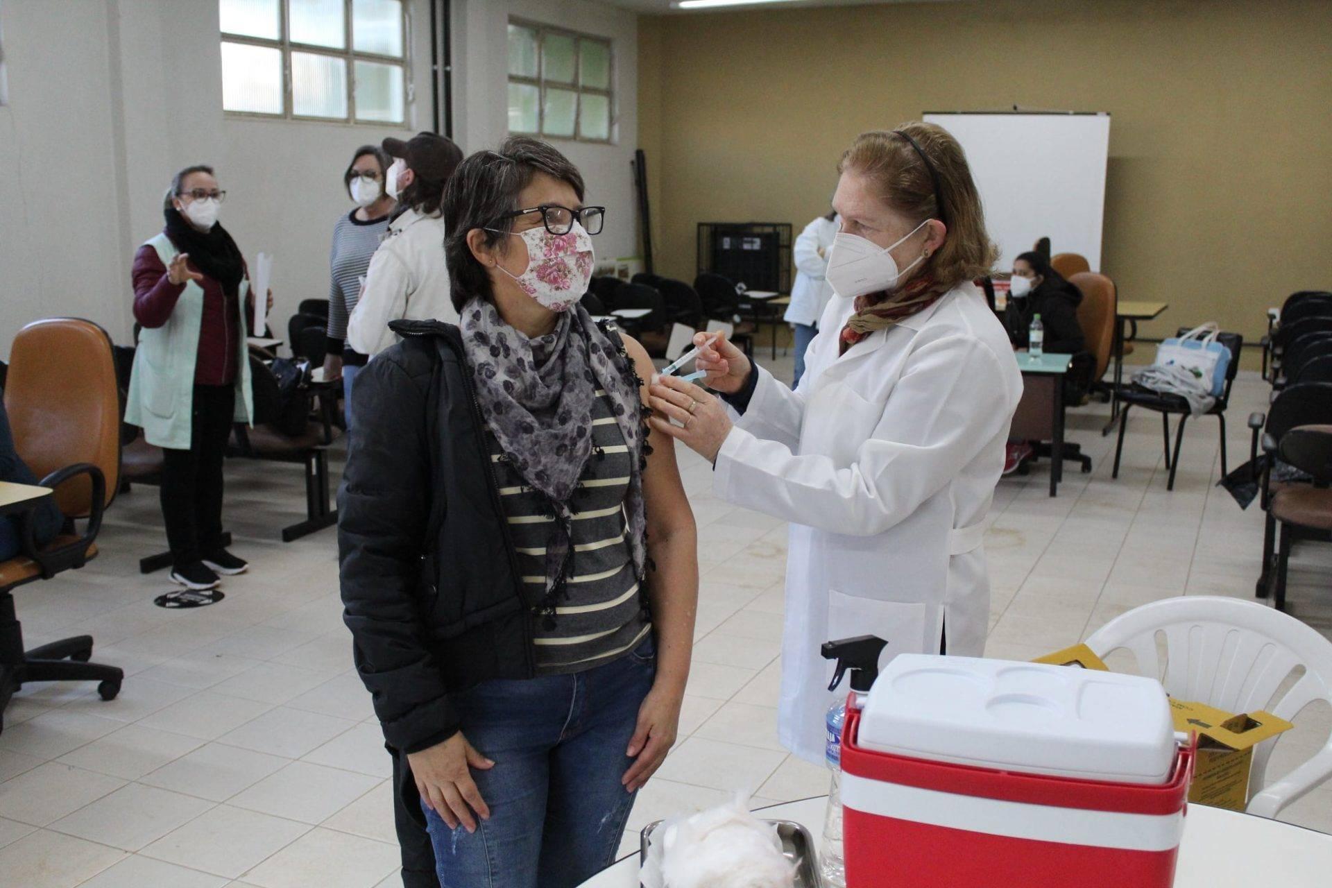 Covid: Imunização de pessoas com 48 e 49 anos iniciou sábado em São Luiz Gonzaga