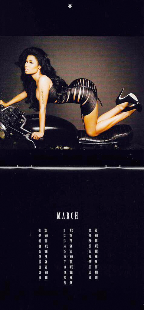 nicki-minaj-calendario-sexy-2015-4