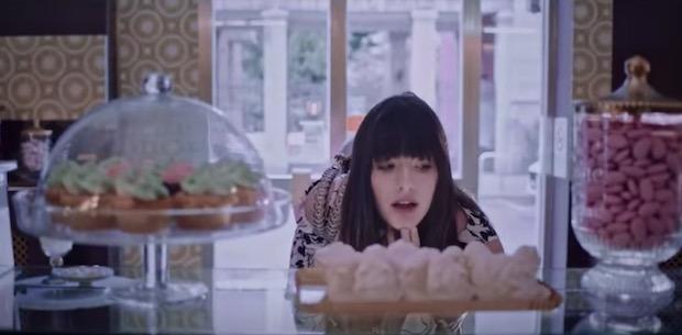 Qual è la canzone della pubblicità di Liu Jo in rotazione televisiva da  dicembre 2017  Quella dove vediamo una serie di ragazze alle prese con  borse e ... bebb4adb2a0