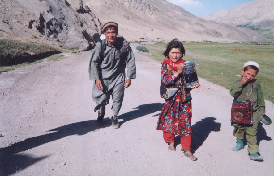 Afghan family on the move