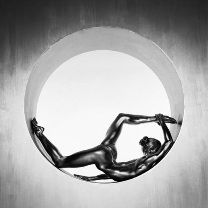 Фотограф превращает женщин в живые скульптуры