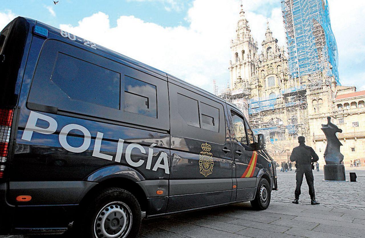 Image result for policia nacional de compostela