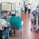 Garrahan: Por falta  de camas, los niños se internan en los pasillos  del  nosocomio
