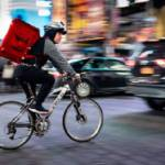 CABA: La legislatura aprobó una ley que regula a repartidores y aplicaciones de delivery