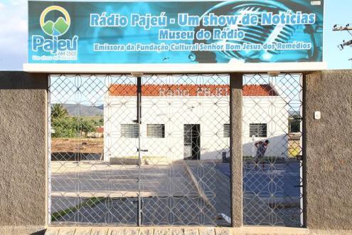 Solenidade oficializa tombamento do Prédio onde nasceu a Rádio Pajeú
