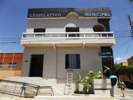 Câmara de Tabira desrespeita Lei que criou ao conceder Título de Cidadão