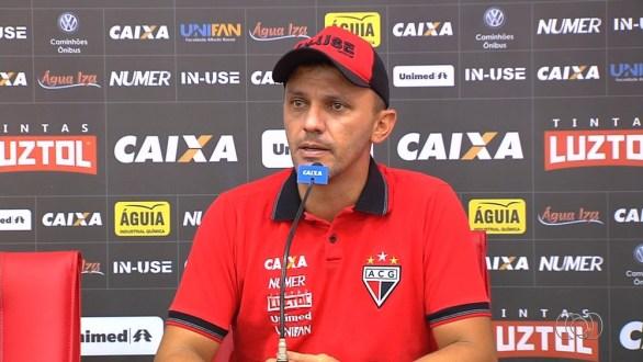 """Técnico revela choro no vestiário, mas garante Atlético-GO forte: """"Vai voltar"""""""