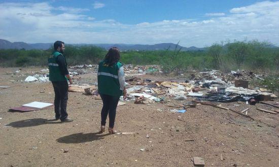 Serra Talhada intensifica fiscalização contra queima de lixo e descarte irregular de entulhos na cidade
