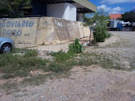 Descaso: terminal rodoviário de São José do Egito está totalmente abandonado