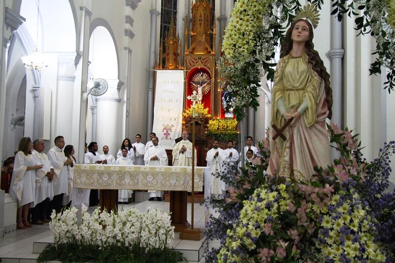 Encerrada Festa em honra à Padroeira da Diocese Santa Maria ...