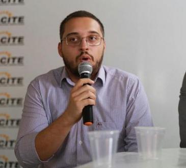 https://i2.wp.com/www.radiopajeu.com.br/portal/wp-content/uploads/2018/08/MacielOliveira.jpg?fit=365%2C330