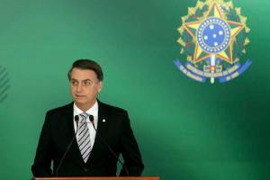 Bolsonaro vai à Brasília nesta terça-feira