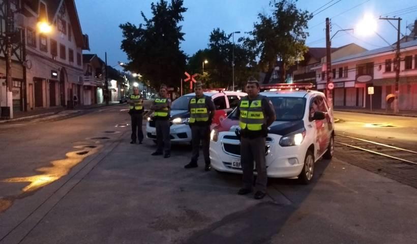 Operação da PM prende 26 pessoas e 3,2 quilos de drogas no Vale do Paraíba