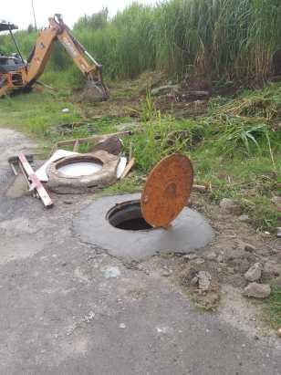 Idosa cai em bueiro com tampa improvisada em Caçapava