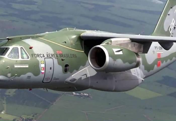 Avião militar cargueiro KC -390 m