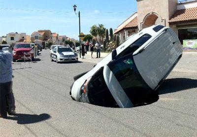 ¿Qué hacer si tu auto se daña en un bache?