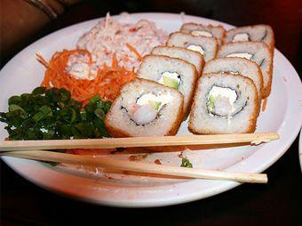 """Aumenta a 194 personas intoxicadas por sushi en """"Que Rollo"""""""