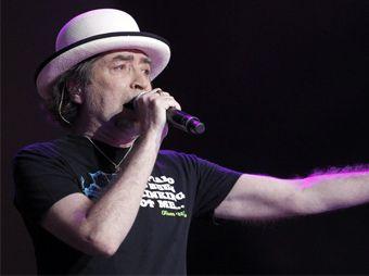 Sabina sufre problema de salud durante concierto en Tijuana