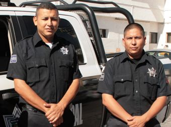 Policías de Hermosillo salvan en un incendio a bebé de 7 meses