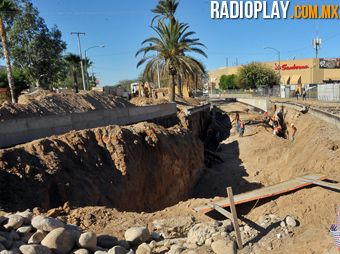 Presenta puente en Encinas y Navarrete avances de 32%