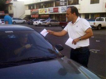 Le roban auto con bebé dentro a Regidor de Obregón