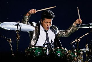 Bruno Mars y Red Hot Chili Peppers animan el Super Bowl