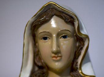 Estatua de Virgen María 'llora' en Jerusalén