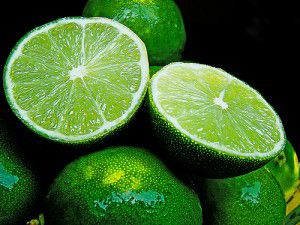Limón se vende hasta en 60 pesos