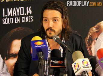 Presenta Diego Luna película
