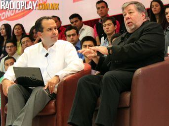 Presenta Steve Wozniak conferencia en Hermosillo