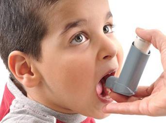 Nava de la Mora indicó que estudios recientes muestran que el acoso psicológico ha llevado a padecer este mal respiratorio a una parte de la población infantil.