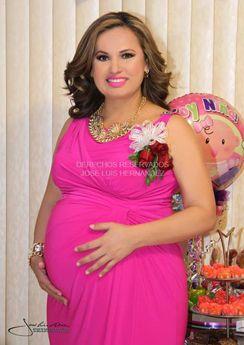 La empresaria de la Moda, Lizeth Pérez Rodarte, en espera de su bebé Natasha León Pérez. ¡Felicidades!