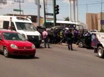 Muere ladrón de autos en aparatoso choque en Hermosillo
