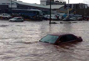 Reportan un muerto por fuertes lluvias en Nogales