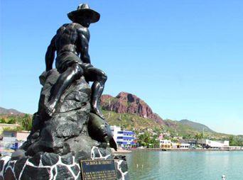 Cierran puerto de Guaymas a navegación por huracán Norbert
