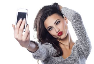 Facebook ya no es la red social de los jóvenes; prefieren Twitter e Instagram