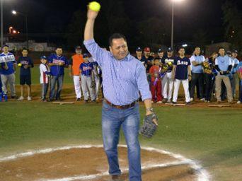 """Cristobal """"Lito"""" Vargas, de los más cumplidores y chambeadores funcionarios del alcalde Alejandro López Caballero. ¡Enhorabuena!"""