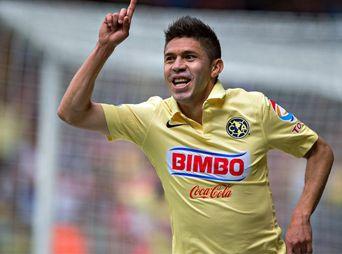 Oribe Peralta festeja su gol ante el Toluca.