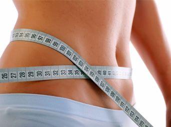 Después de las fiestas el automedicarte con tratamientos para bajar de peso podría parecer una solución fácil y sencilla, ya que es una de las épocas en que mas subimos de peso, sin embargo, debes recordar que este tipo de tratamientos pueden causar un efecto negativo a tu salud.