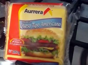"""Vídeo: El """"queso de plástico"""" de Aurrerá"""