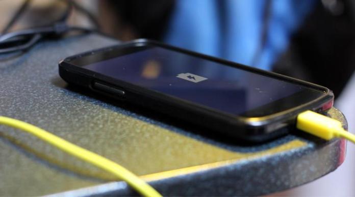 ¿Cómo ahorrar batería en mi celular Android?