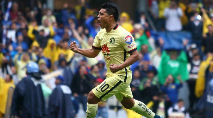 Oswaldo Martínez festeja su gol