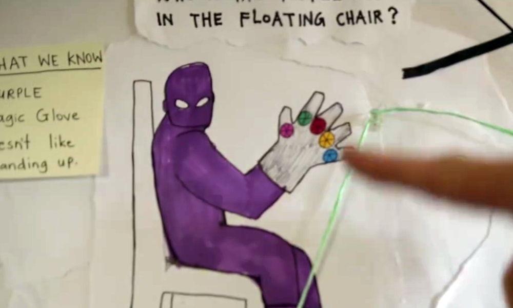 Thanos, el hombre morado sobre la silla flotante.