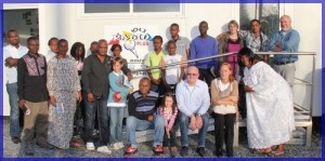 Le comité de Jumelage de Douvrin et la délagation de Gombé en visite à Radio Plus en 2012