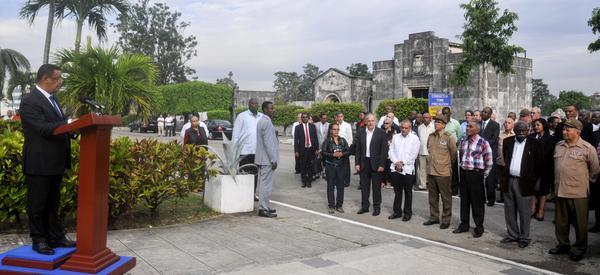 Presidente de Etiopía rinde homenaje a internacionalistas cubanos