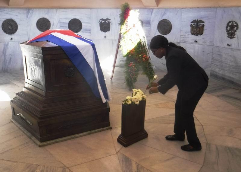 La Primera Ministra Saara Kuugongelwa-Amadihila en su tributo a José Martí.