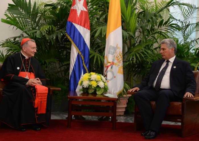 Sostienen encuentro Presidente Raúl con el Papa Francisco. Foto Joaquín Hernández Mena
